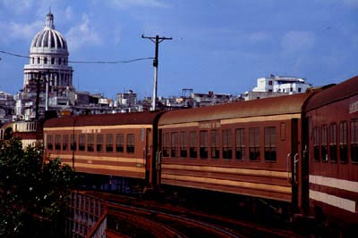 Train which enters in the central station of Habana